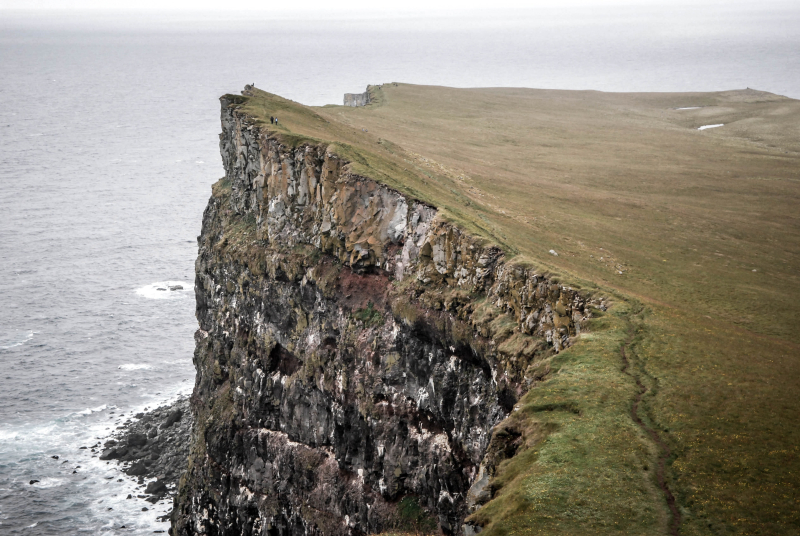 Beach-cliff-coast-614495