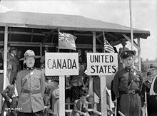 220px-Canada_US_pipeline_border